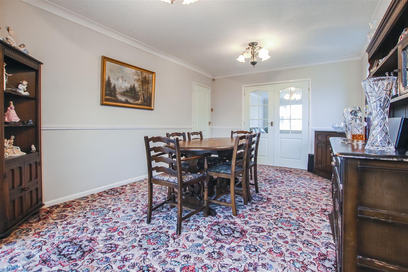 5 Bedroom Detached House For Sale - Dining Room